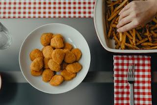 olahan ayam berupa nugget