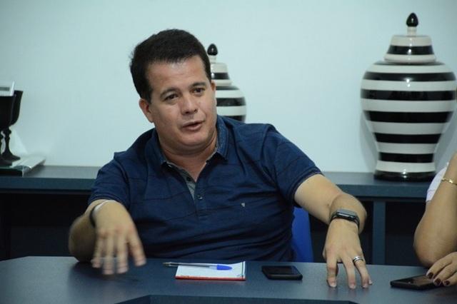 Prefeitura de Santa Cruz diz que Edson Vieira deixou dívida de quase R$ 100 mil com o CONIAPE e ex-prefeito de pronuncia em nota