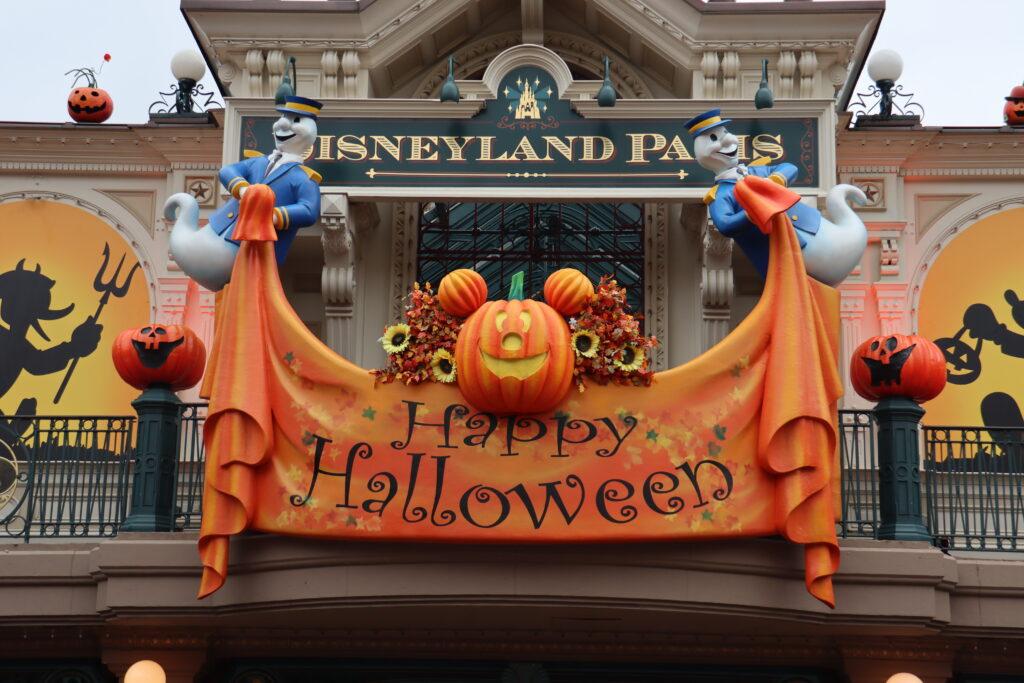 Disneyland-Paris-Halloween-uptodatedaily