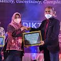 Meraih Dana Penelitian Terbesar Hibah Kompetisi Nasional SIBLIBTABMAS Klaster Binaan Unasman Polman Terima LLDIKTI9 Awards 2021