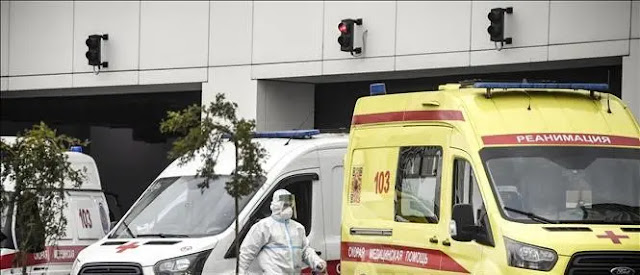 An ambulance transports COVID-19 patients to a hospital in Kommunarka in Moscow, Russia. Photo: AFP