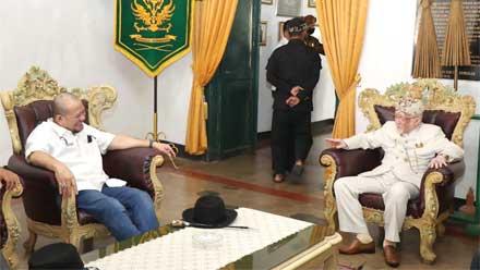 LaNyalla bertemu Raja Karaton Sumedang Larang, Paduka Yang Mulia Sri Radya HRI Lukman Soemadisoeria