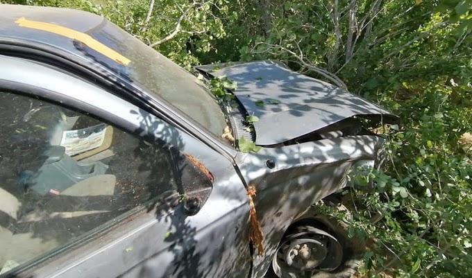 Expat saves his life after crashing his pick up truck