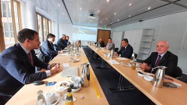 Rui Costa se reúne com empresa alemã para trazer projeto de energia renovável para a indústria baiana