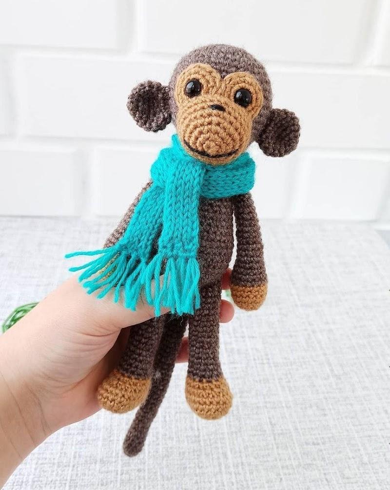Вязаная обезьянка: схема амигуруми