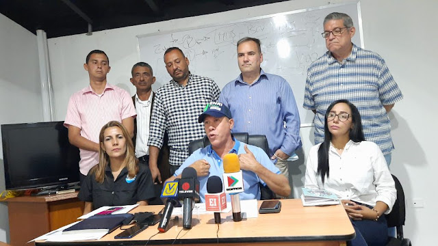 """FALCÓN: """"LOS PROBLEMAS DEL AGUA Y LA LUZ SON FALTA DE INVERSIÓN Y DE PLANIFICACIÓN"""