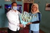 Raih Medali emas di PON XX Papua, Pjs Kades Cikeusal : Saya Bangga Warga Saya Menjadi Atlet dan Bisa Mengharumkan Nama Provinsi Banten