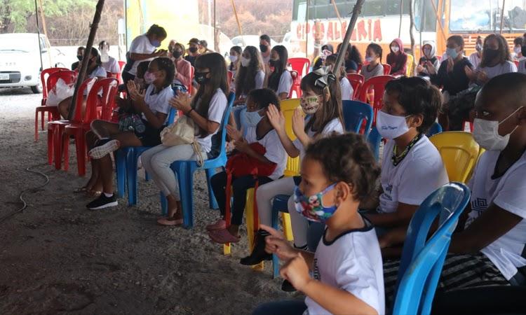 Apresentações circenses marcam comemorações do Dia das Crianças em Brumado