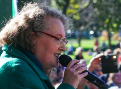 Regno Unito: Mandato d'arresto per la professoressa dell'UCD e attivista anti-vaccino Dolores Cahill