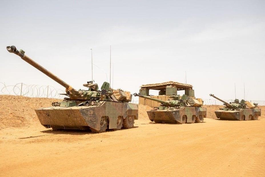 AMX-10RCR з комплектами додаткового бронювання SEPAR. Операція «Сервал», Малі