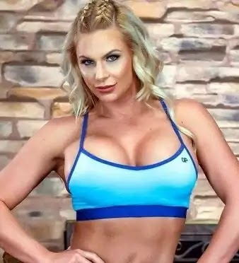 Phoenix marie Bio, Tall, Body Measurement, Weight, Networth, Family, Pics, Height And More