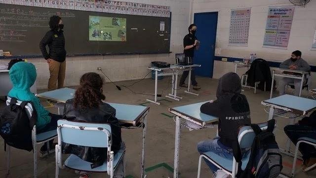 Programa Guardiões da Mata Atlântica leva pesquisas científicas do Legado das Águas para escolas públicas de Juquiá