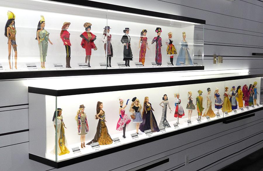 Выставка Барби В Монреале