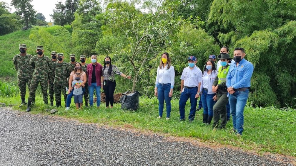 La CARDER le apuesta a la recuperación ambiental desde la plantación de árboles