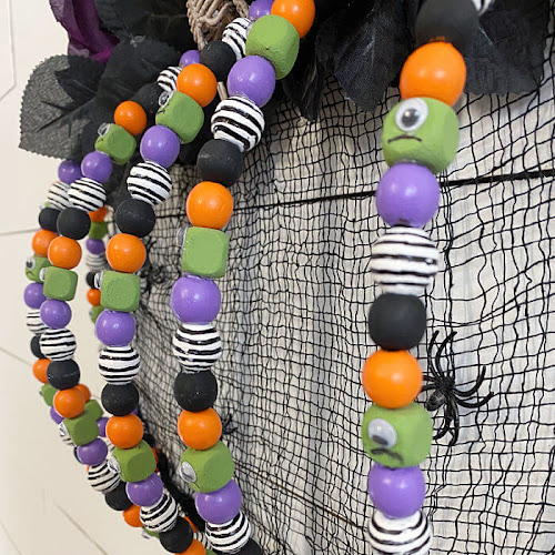 Bedazzled Wire Pumpkin Halloween Wreath