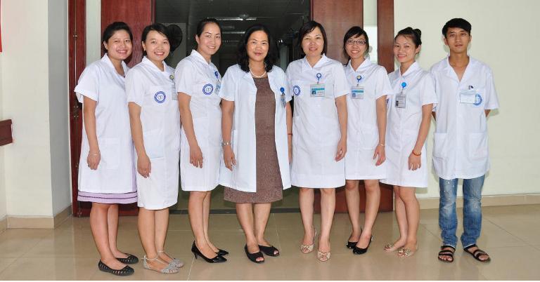 Mẫu đồng phục nhân viên bệnh viện Trung Ương Hà Nội