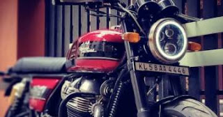There are news reports from the website such as indianautosblog.com that the launch of the Royal Enfield Interceptor 350, a classic naked car in a new entry-level class in India for the first time in the world soon After taking pictures of the test car on the road for us to see. It will be a challenge to competitors such as the Honda CB350, which is selling extremely hot at the moment.   This project is not something that exceeds expectations too much. After the camp itself launched the Meteor 350 shortly before. (And imported to sell in Thailand as well), which you Interceptor 350 will have a different shape.