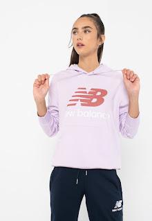 New Balance - Дамски бял Суитшърт с лого