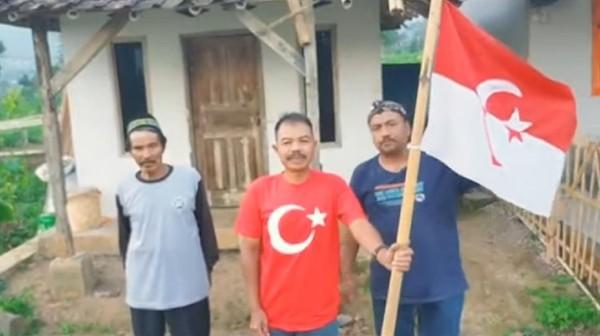 Geger! Pria 'Panglima Jenderal' Kibarkan Bendera NII di Garut