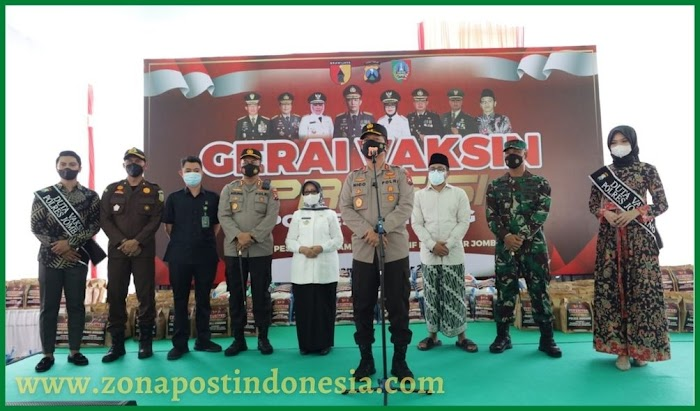 Kapolda Jatim Tinjau Vaksinasi Presisi di Ponpes Mambaul Ma'arif, Denanyar, Jombang