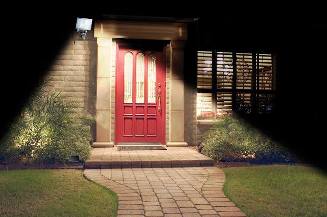 Cách sửa dụng đèn cảm biến hồng ngoại hiệu quả, tiết kiệm điện năng.