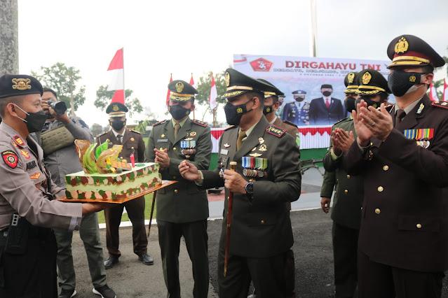 HUT TNI Ke 76, Polresta Banyumas Berikan Kejutan