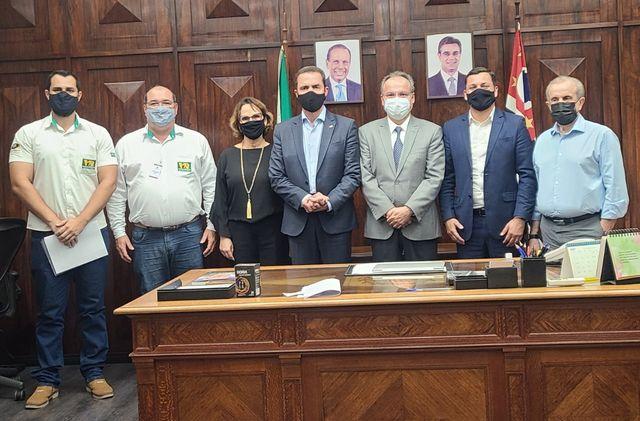 Samuel Moreira e secretário do Governo ouvem pedidos de agricultores para incluir setor no Vale do Futuro