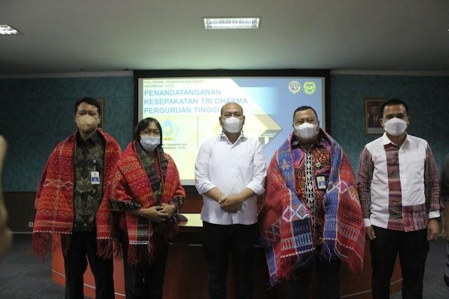 Bupati Taput Tandatangani Nota Kesepakatan Sinergi  dengan PTDI-STTD