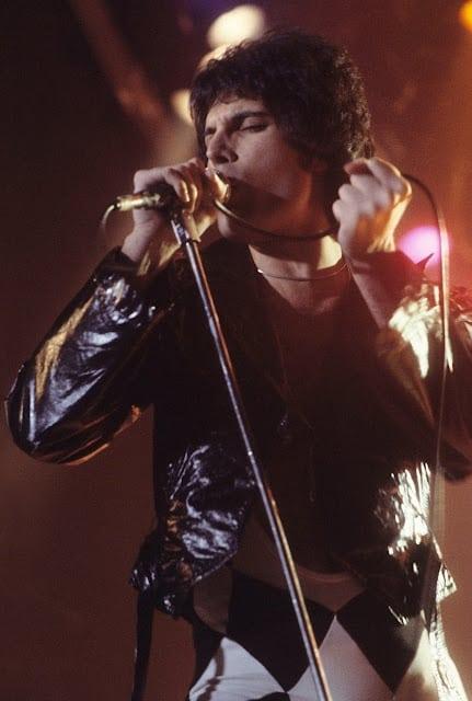 Freddie Mercury at Live Aid concert vs Bohemian Rhapsody movie