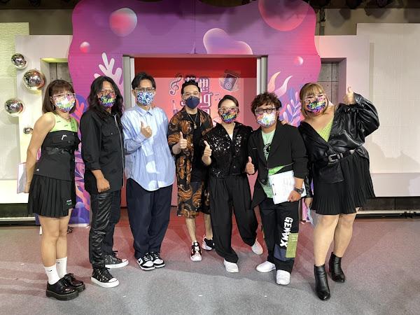 峮峮(左起)乱彈阿翔,卓義峯,熊仔,陶晶瑩,納豆,黃小愛對冠軍總決賽充滿期待。
