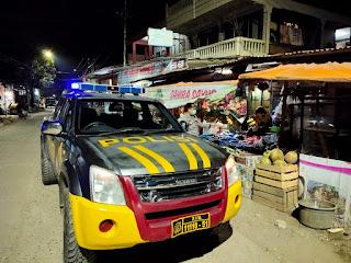 Menjaga Situasi Aman, Polsek Baraka Polres Enrekang Laksanakan Patroli Blue Light