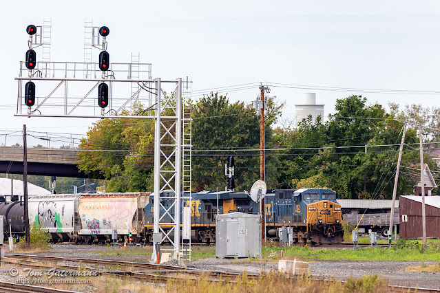 Q560-01 moving east on the New Lead at DeWitt Yard