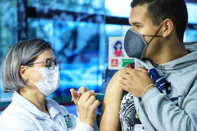 Paraná alcança 5,6 milhões de pessoas totalmente imunizadas contra a Covid-19