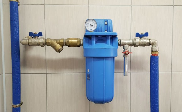 how to clean water pipes in your house