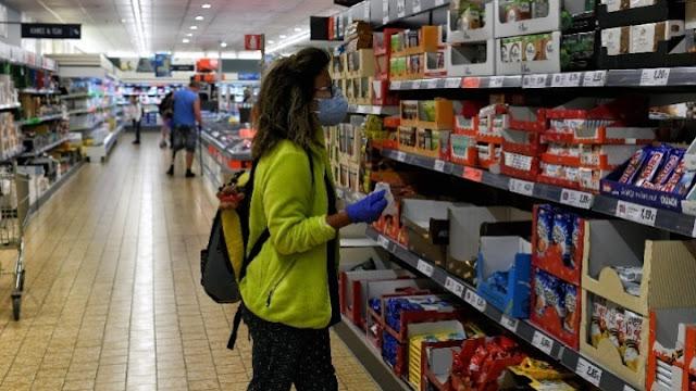 Χαλάρωση των περιοριστικών μέτρων σε σούπερ μάρκετ και λιανεμπόριο