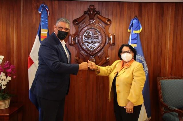 Rectora UASD recibe en su despacho al Ministro de Interior y Policía