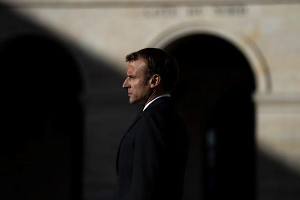 Présidentielle 2022 : les proches d'Emmanuel Macron en quête de fonds