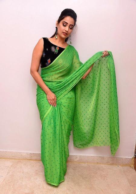 Telugu Anchor Manjusha Latest Photos in Sleeveless Green Saree Navel Queens