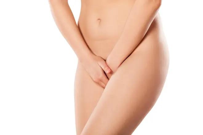 Las úlceras VAGINALES podrían ser un efecto secundario recientemente descubierto de la vacuna Covid, han afirmado médicos estadounidenses.
