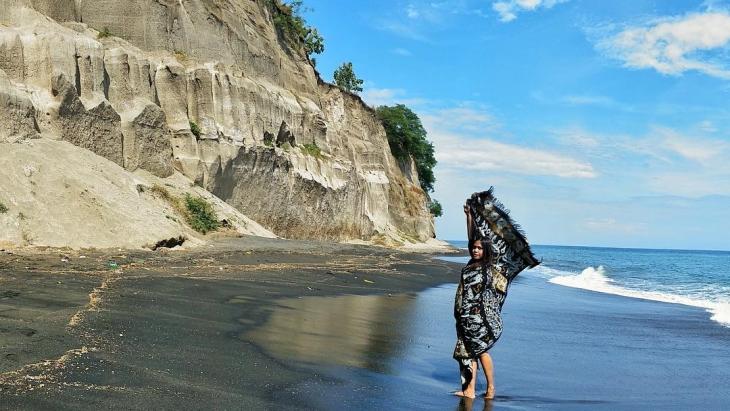 Terbentuknya Tebing Pantai Tebing