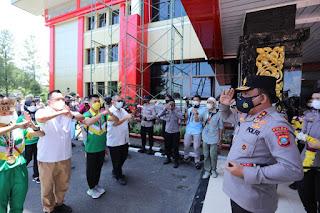 Penuh Rasa Bangga, Kapoldasu Sambut Atlet Wushu PON 2021