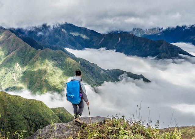 Cần làm gì khi bị say độ cao trong lúc leo núi?