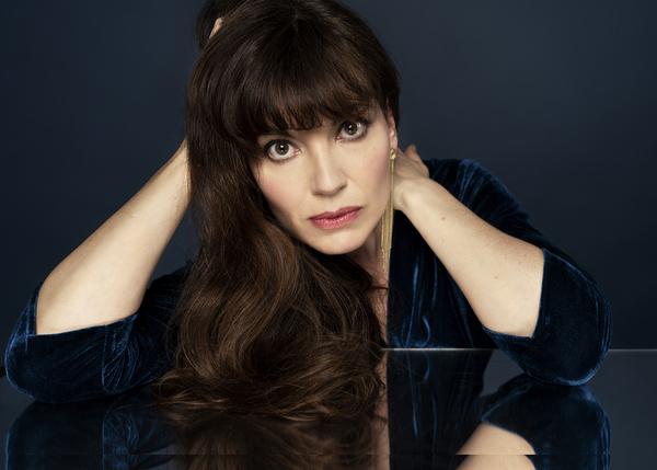 """Emily Pello dévoile le titre """"You Will Find Me"""" en préparation de la sortie de son album """"Time Space Love"""" en janvier 2022."""