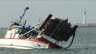نواذيبو : غرق سفينة أجنبية و فقدان 2 من طاقمها الموريتاني- بيان من الجيش الوطني