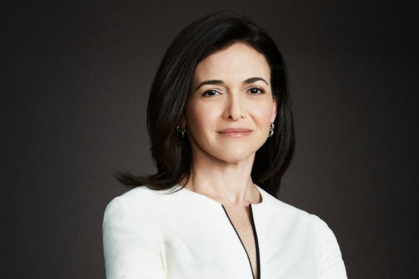 Sheryl Sandberg trở thành cục vàng Facebook