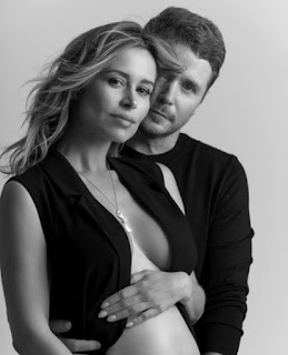 Zulay Henao with her partner Kevin Connolly showing baby bump