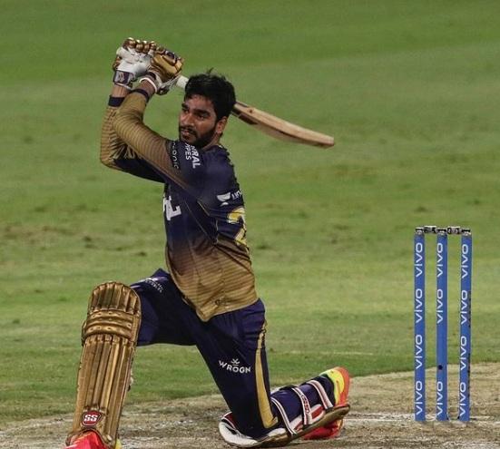 IPL 2021 : चेन्नई सुपर किंग्ज बरोबर 'या' संघाची होणार फायनलसाठी लढत