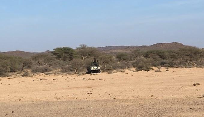 El Frente Polisario muestra un ataque militar junto a uno de los muros en la región de Mheiriz (Imágenes).