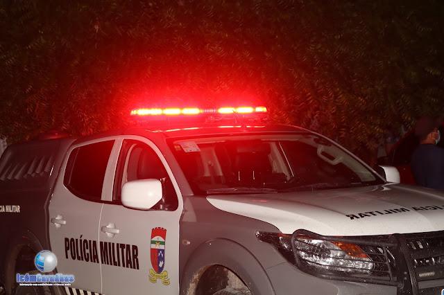Criminosos armados realizam assaltos em três residências na zona rural de Campo Grande