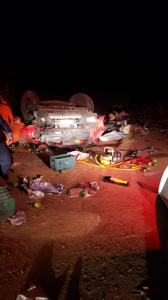 Motorista morre após perder controle de caminhão na zona rural de Crateús